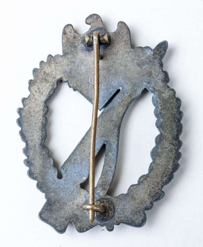 Infantry Assault Badge (ISA - Infanterie Sturmmabzeichen/ IAB Infantry Assault Badge) maker BSW (Brüder Schneider)