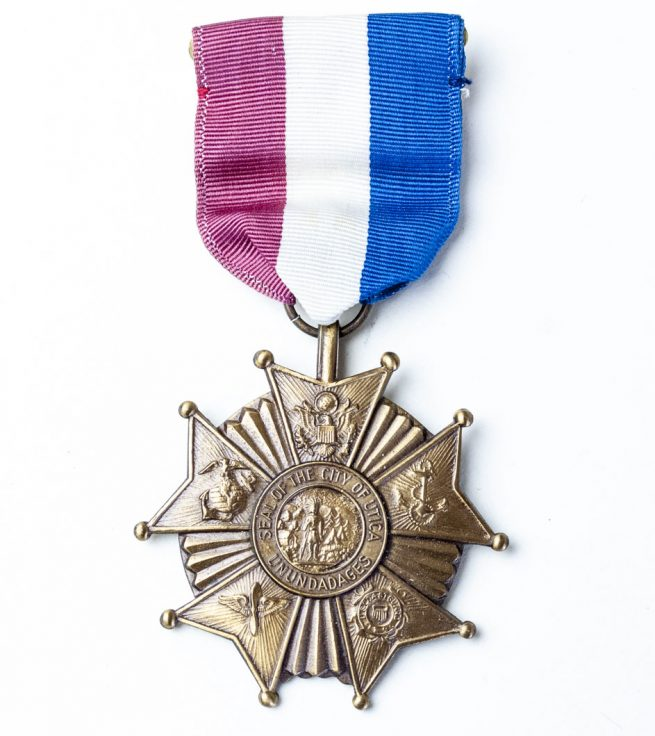 USA World War Two service medal from the City of Utica, New York 1