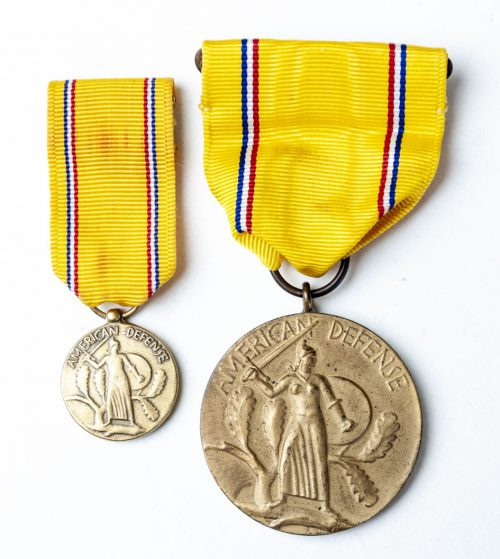 WWII US ARMY AMERICAN DEFENSE MEDAL (USA) + miniature 1