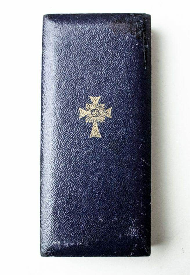 Motherscross Mutterkreuz gold in case by makerRichard Sieper & Sohne Ludenscheid - 1