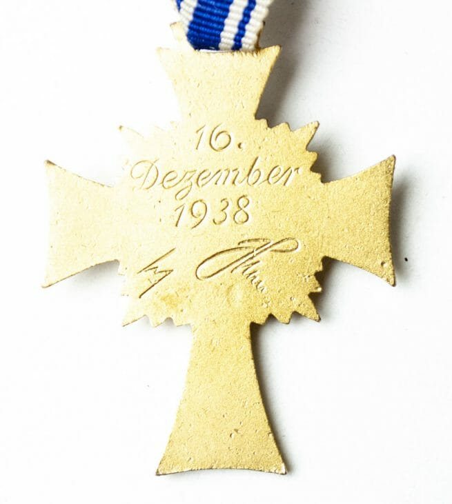 Motherscross Mutterkreuz gold in case by makerRichard Sieper & Sohne Ludenscheid