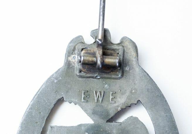 Panzerkampf Abzeichen / Panzer Assault Badge (maker EWE)