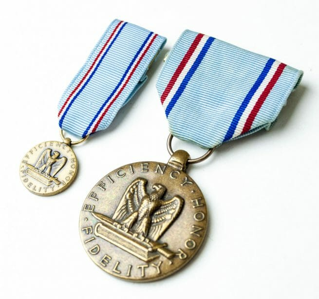 USA Airforce Good Conduct medal + miniature