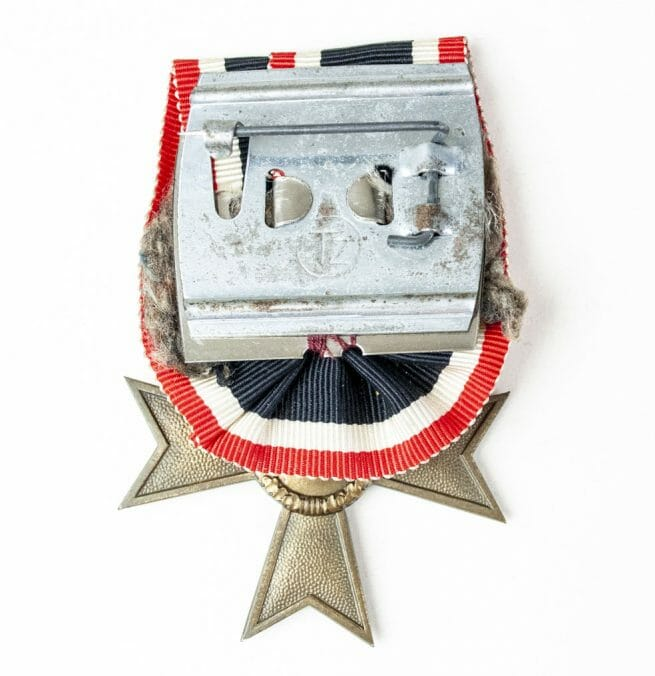 Kriegsverdienstkreuz mit Schwerter Einzelspange (War Merit Cross with swords single mount)
