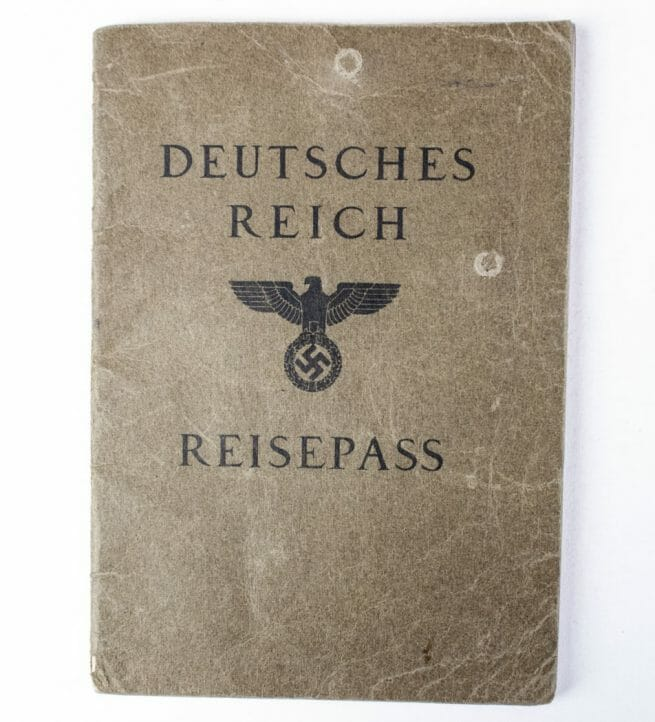 Deutsches Reich Reisepass with passphoto