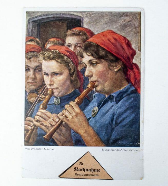 Max Wechsler Female Reichsarbeitsdienst postcard: Musizierende Arbeitsmaiden
