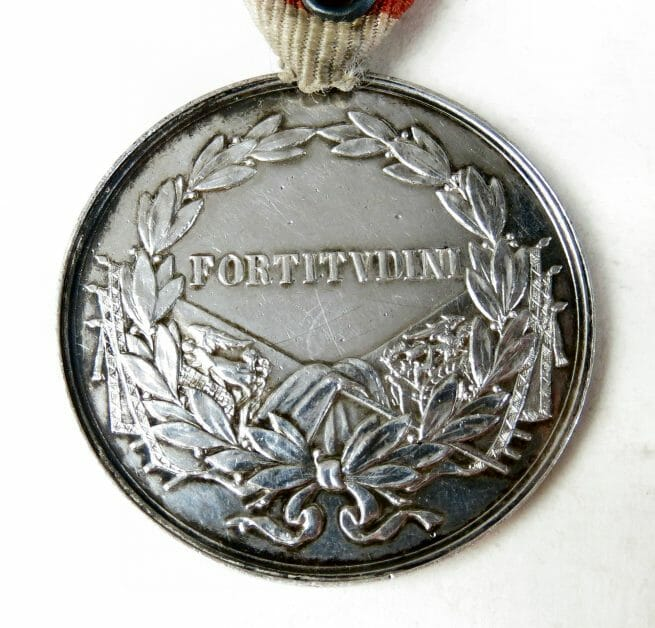 "WWI Austrian Silver Bravery ""Fortitudini"" Medal emperor Charles (large size)"