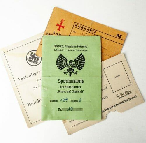 Bund Deutscher Mädel 1942 Sportausweis + Weibliche Arbeitsdienst