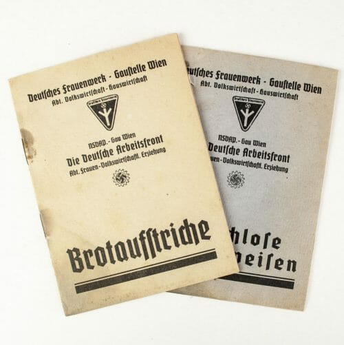 Deutsches Frauenwerk Gaustelle Wien two booklets