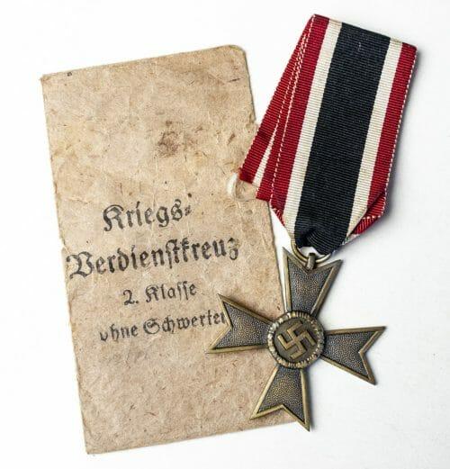 Kriegverdienstkreuz KVK ohne schwerter + enveloppe