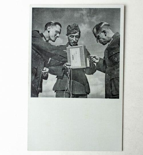 Photo Postcard: Das Feldpostpäckchen