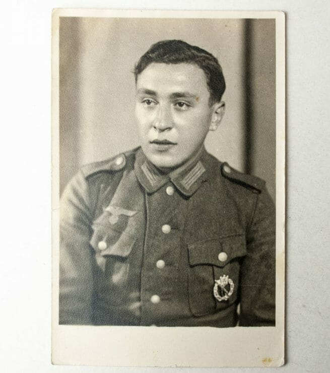 Wehrmacht photo with Infanterie Sturmmabzeichen / ISA in wear