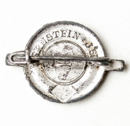 Female Reichssportjugendabzeichen Mitgliedsabzeichen as brooch