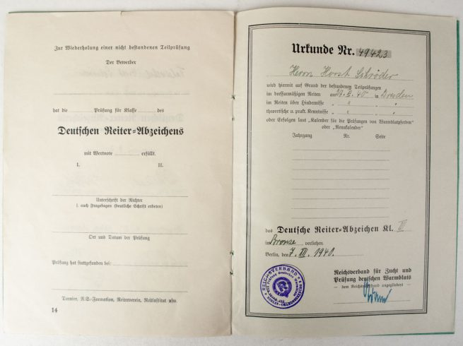Das Deutsche Reiterabzeichen citation booklet, papers and photo's