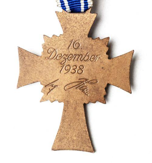 Mutterkreuz (Motherscross) in bronze