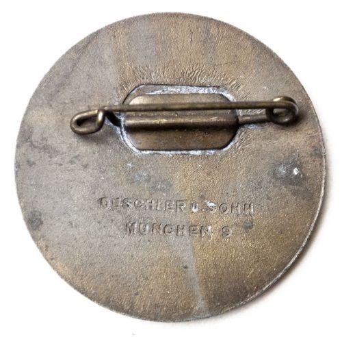 Reichsparteitag 1936 abzeichen (made by Deschler)