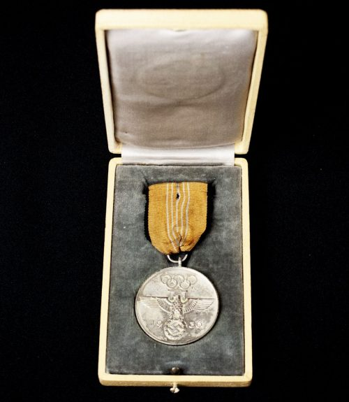 Deutsche Olympia 1936 Erinnerungsmedaille (German Olympic 1936 Commemorative medal) + etui
