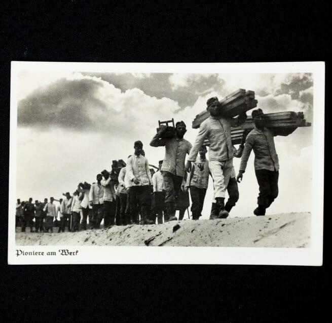 Postcard: Pioniere am Werk (postally sent)