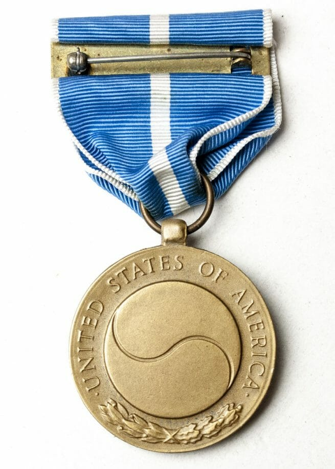 US Korean Service medal + ribbon + case