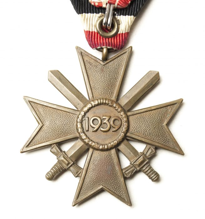 Kriegsverdienstkreuz / War Merit Cross Austrian parade mount