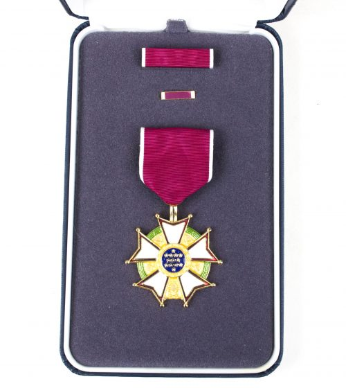 USA Legion of Merit Medal, Ribbon, and Lapel Pin in Presentation case