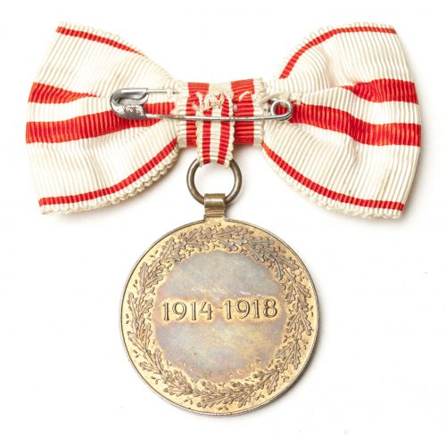WWI Austrian Commemortive medal on female ribbon bow