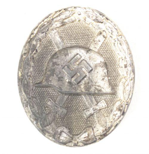 German woundbadge in Silver (VWA Verwundetenabzeichen) maker 107 – Carl Wild