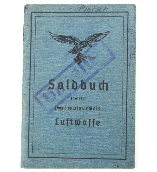 Luftwaffe Soldbuch with passphoto Fl. Ers. Btl XVII from Standort Trostkaserne Wien