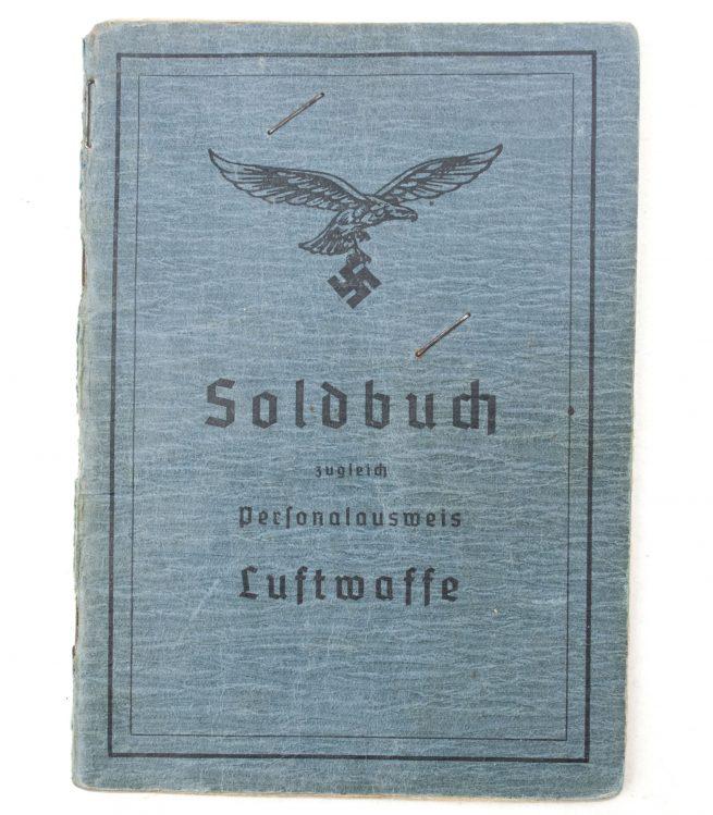 Luftwaffe Soldbuch with passphoto Fliegerhorstkommandatur Stargard