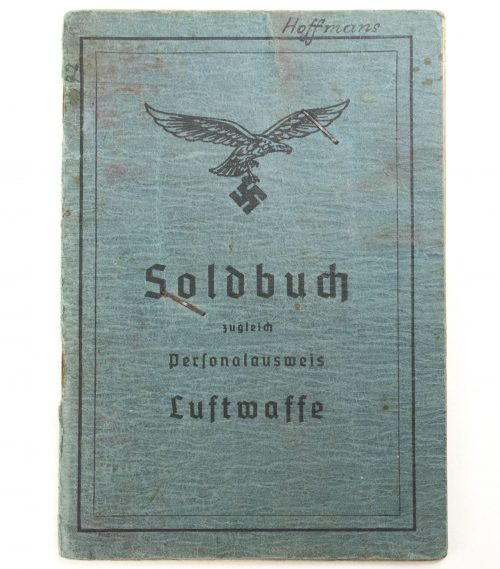 Luftwaffe Soldbuch with passphoto with EK2 and VWA black