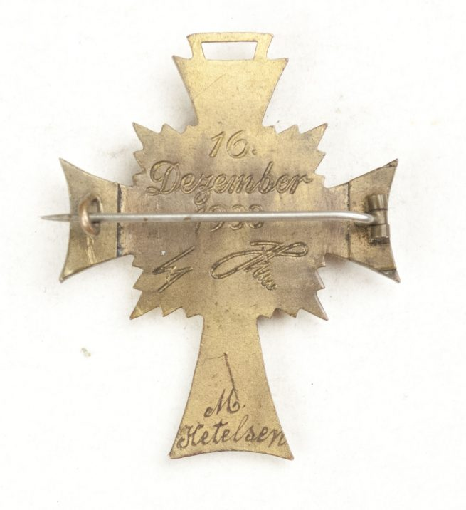 Mutterkreuz / Motherscross in gold, pinback AND named! VERY RARE!