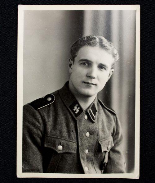 SS Portrait photo of a Flemish SS-Sturmmann