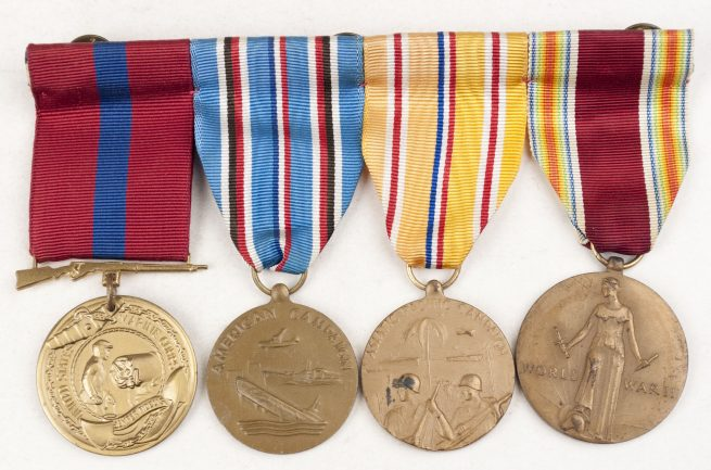 USA Medalbar with United States Marine Corps Good Conduct Medal, American Campaign medal 1940-1945, Asiatic Pacific Campaign medal, WWII Victory medal