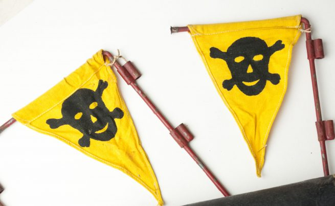 WWII German Pioniere Gas Mine warning flag set including rare leather pouch