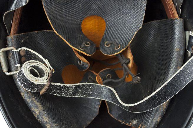 Dutch WW2 Schalkhaar Politie / Staatspolitie helmet (double decal)