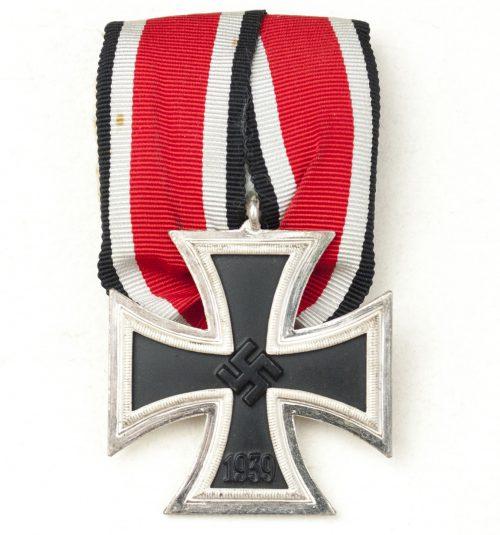 Iron Cross (Ek2) second class single mount (Einzelspange) in frosty condition