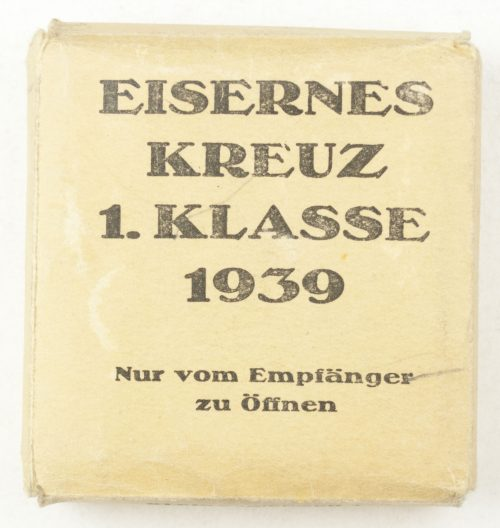 Iron Cross first Class (EK1) in green case and outer carton by maker Klein & Quenzer