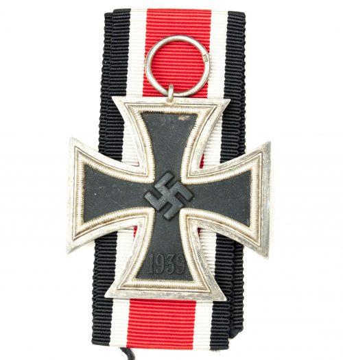 """Iron Cross second class (EK2) / Eisernes Kreuz - maker """"27"""" (Anton Schenkl)"""
