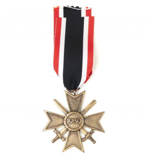 Kriegsverdienstkreuz (KVK) / War Merit Cross with swords