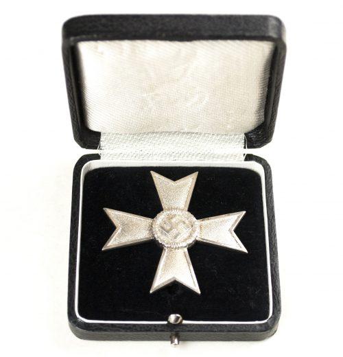 Kriegsverdienstkreuz ohne Scwerter (KVK) / War Merit Cross without cross + etui (maker Steinhauer & Lück)