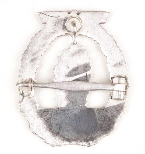 Minesweeper badge (minensucher) with horizontal pin (maker Wilhelm Deumer)
