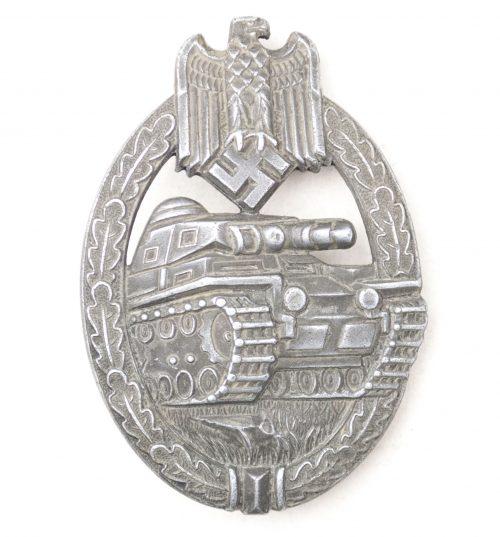 Panzerkampf abzeichen (PKA) / Panzer Assault Badge (PAB) maker Deumer (oval crimp)