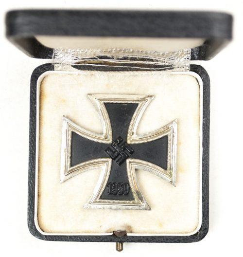 WWII Eisernes Kreuz / Iron Cross (EK1) - maker Steinhauer & Lück
