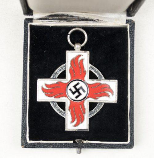 WWII German Feuerwehr - Ehrenzeichen 2. Stufe + etui + long ribbon