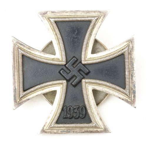WWII Iron Cross first class (EK1) schraubscheibe (maker L/16 / S&L)
