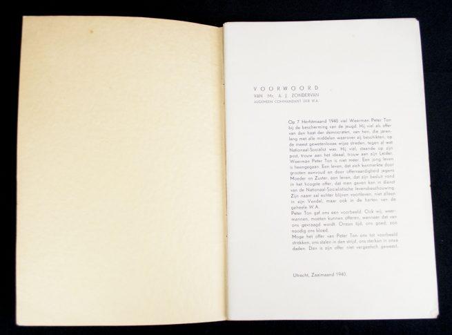 (NSB) Gedenkboek Peter Ton: gevallen op 7 sept. 1940 bij de uitoefening van zijn plicht als WA-man
