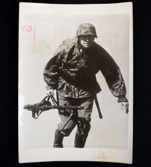 "SS-Pressphoto: ""full combat gear"" with MG34, camo helmet, SS runes, et cetera"