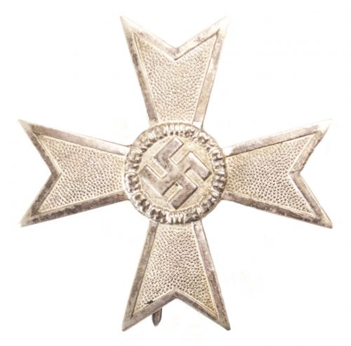 "Kriegsverdienstkreuz 1. Klasse (KVK1) / War Merit Cross First Class (maker ""62"" Kerbach & Oesterhelt)"