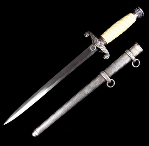 Wehrmacht (heer) late war dress dagger by Gebr. Heller