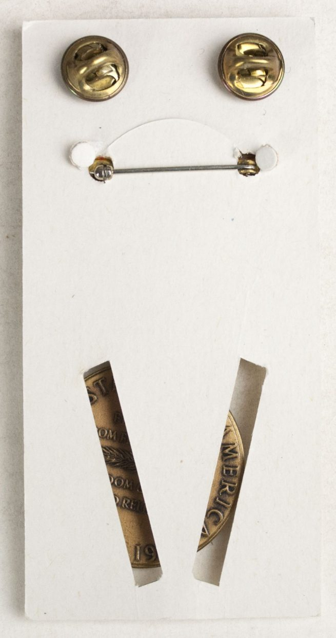 USA World War II Victory medal + case + ribbon